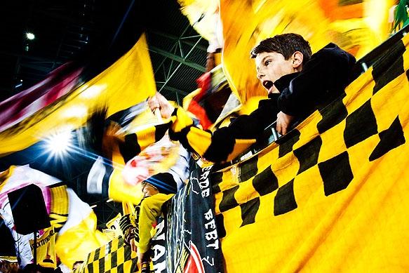Junge Fans im K-Block
