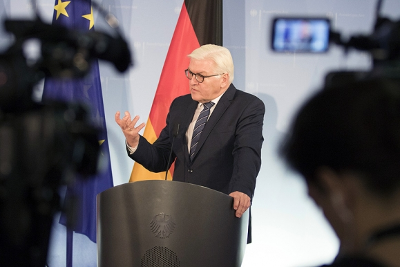 Fotojournalist - Pressekonferenz Aussenminister Frank-Walther Steinmeier im Auswärtigen Amt