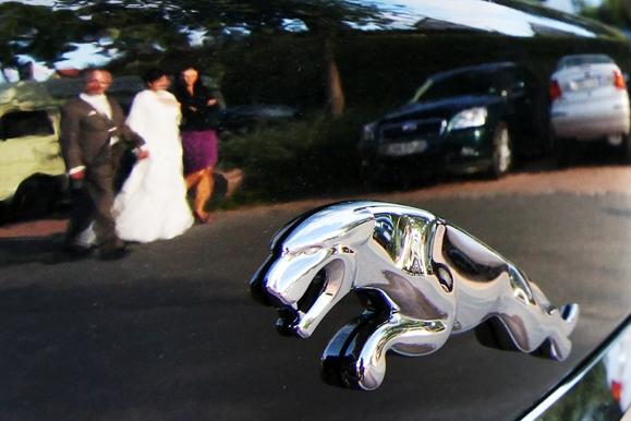 Hochzeitsfotograf - Hochzeitspaar & Jaguar