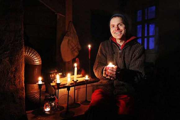 Pressefotograf - Öko-Aktivist lebt ohne Strom