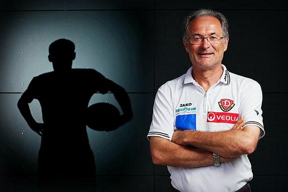 Pressefotograf - Leiter der Dynamo Fußballschule