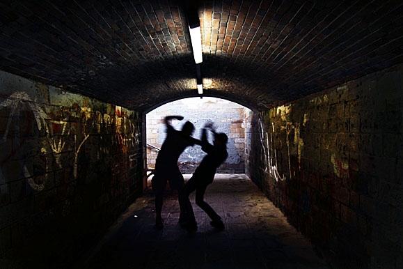 Fotojournalist - Symbolbild Gewalt in Bahnhöfen