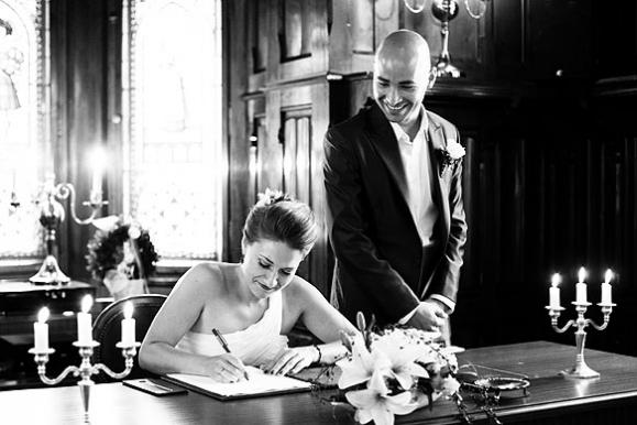 Hochzeitsfotograf - Hochzeitsfoto einer Standesamtliche Trauung im Standesamt Freital